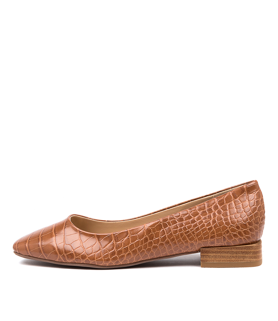 Buy Therapy Posh Th Tan Flats online with free shipping