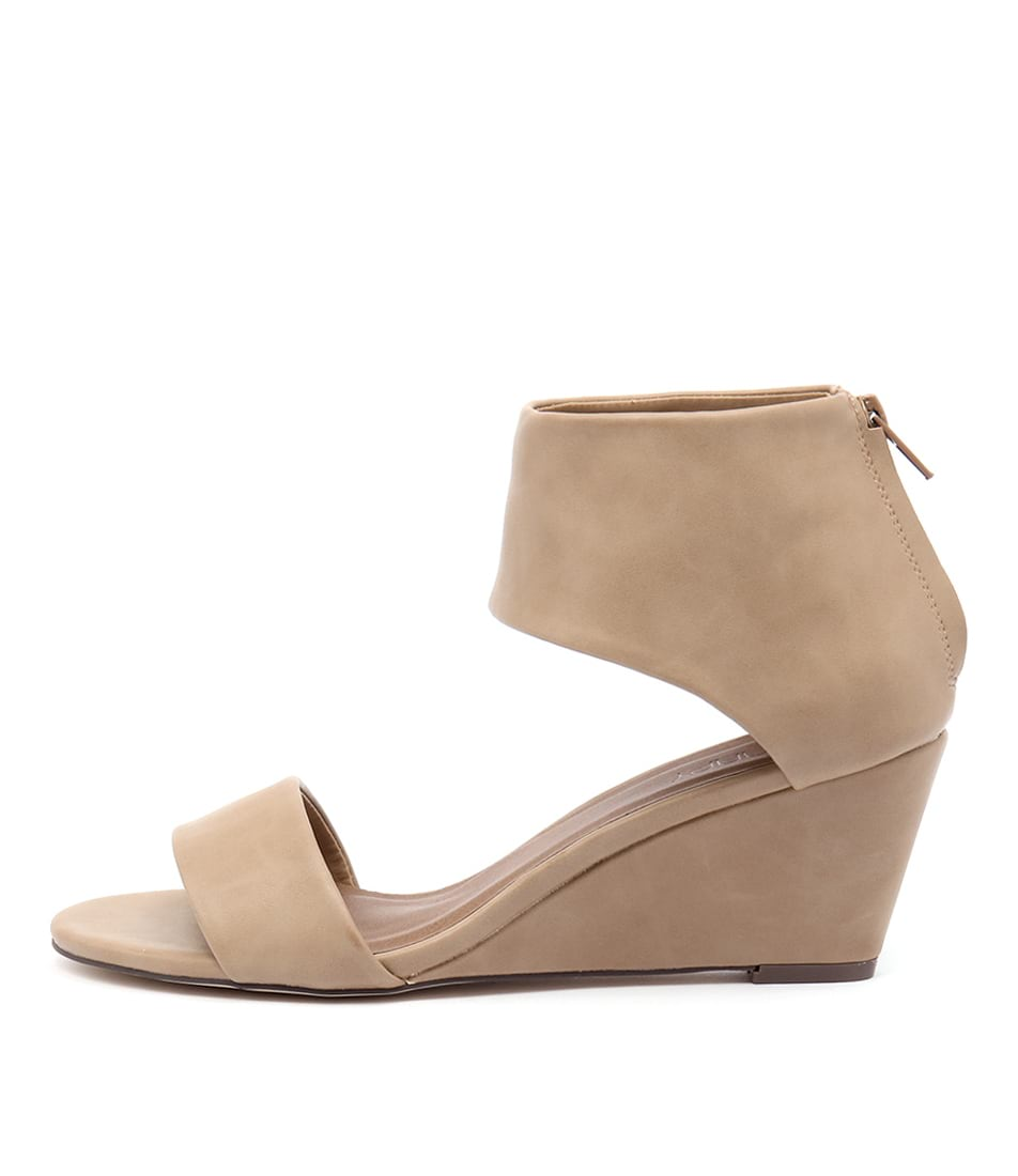 Therapy Daws Camel Casual Heeled Sandals