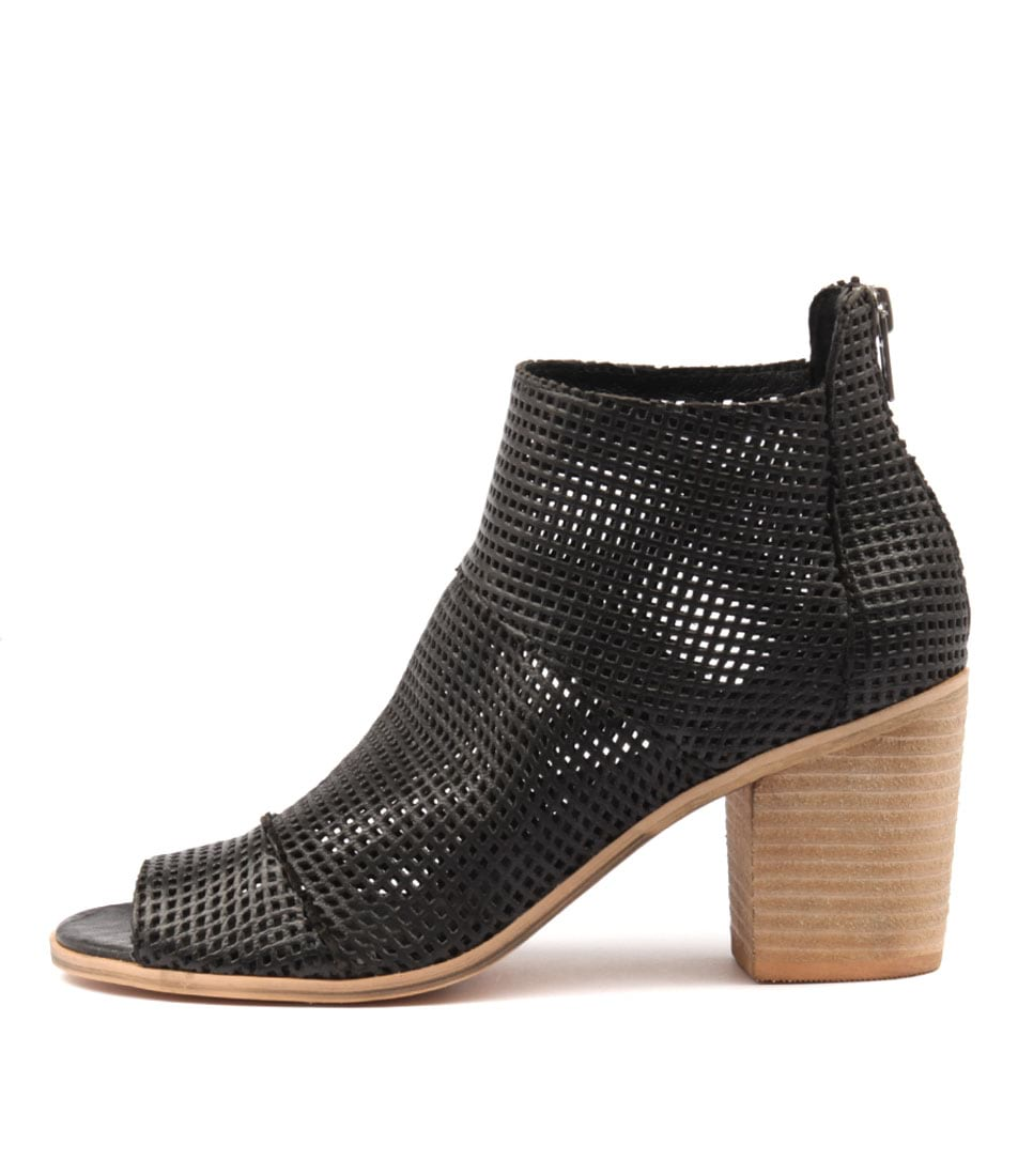 Top End Gulf Black Ankle Boots