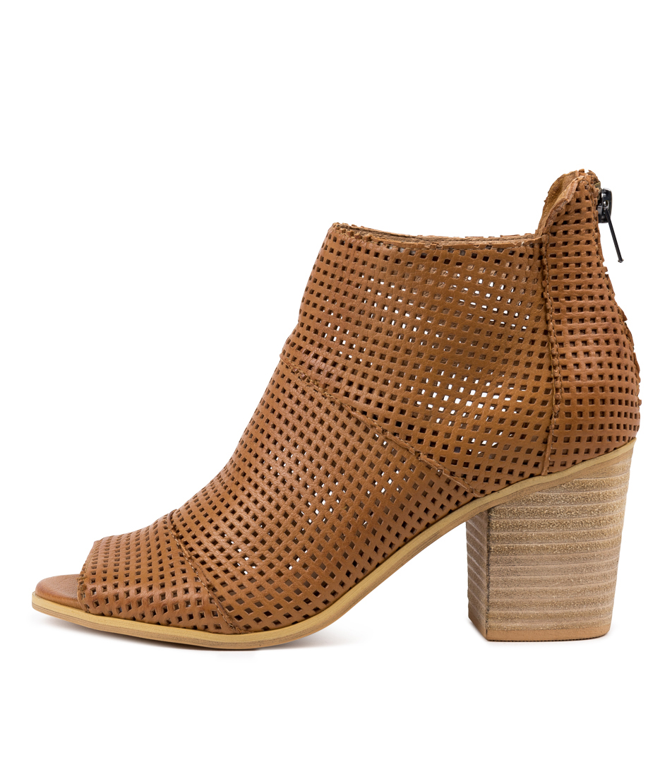 Buy Top End Gulf Dk Tan Ankle Boots online with free shipping