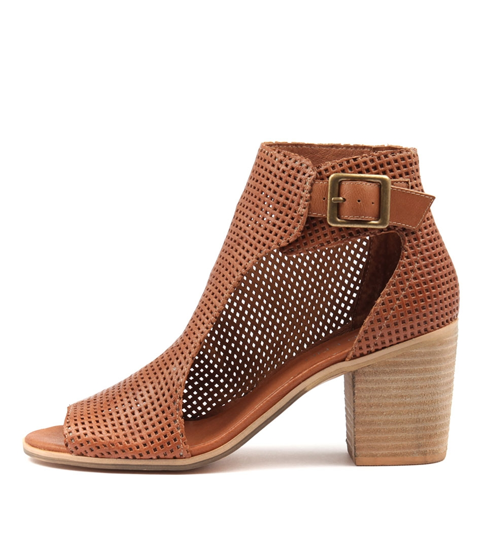 Top End Gumbo Tan Ankle Boots