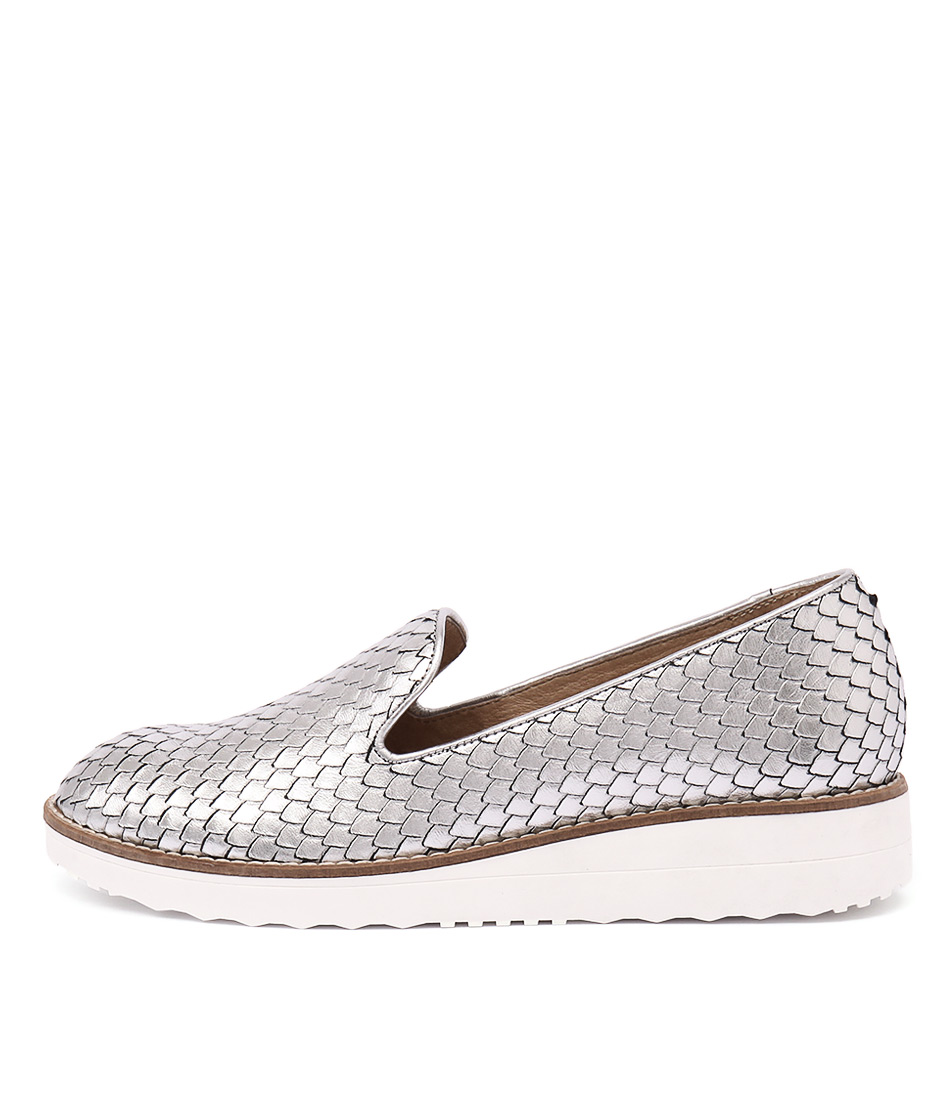 Top End Olus Silver Flat Shoes