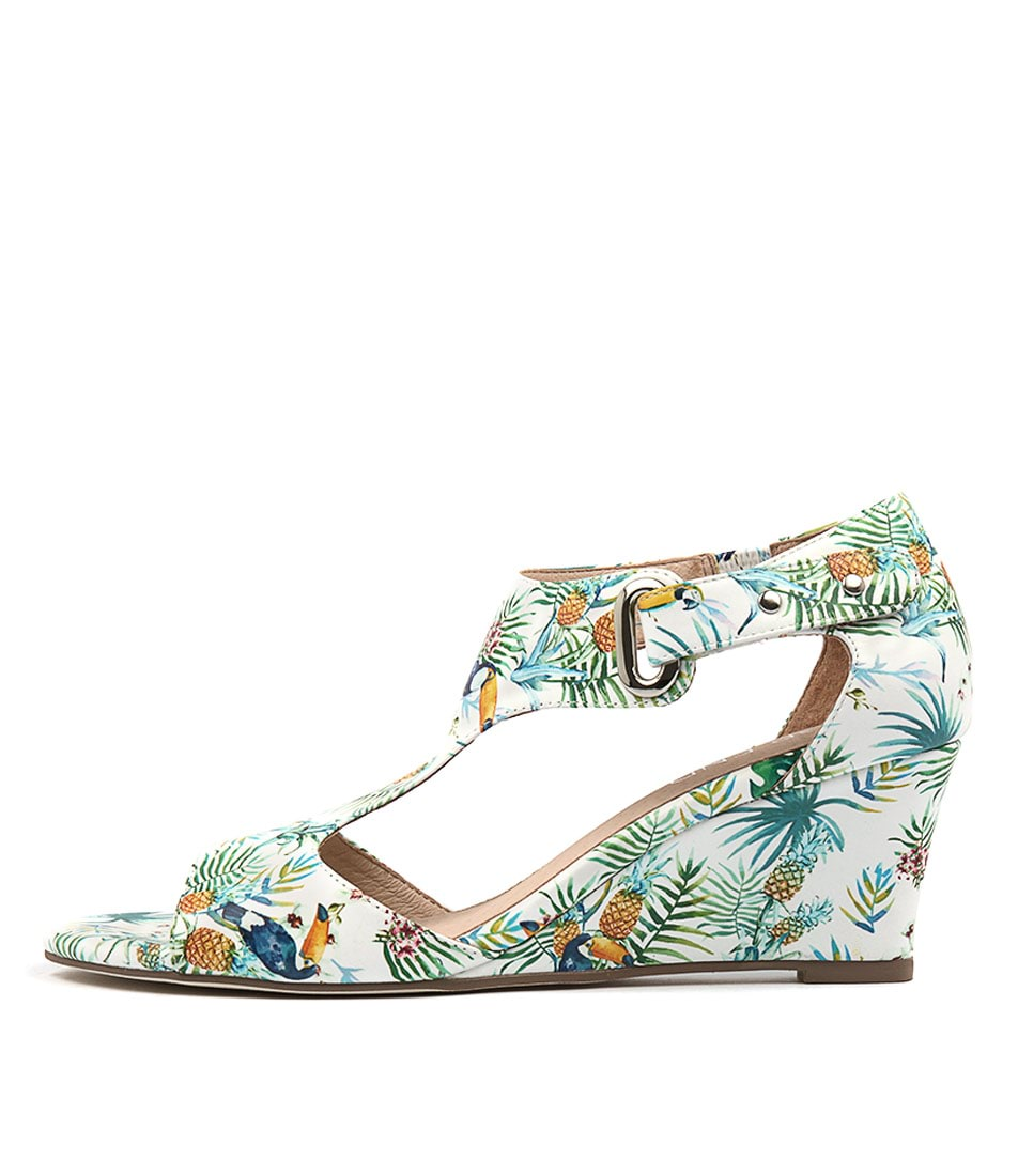 Top End Unico White Tropical Sandals