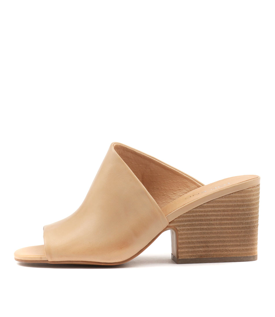 Top End Billys Camel Heeled Sandals