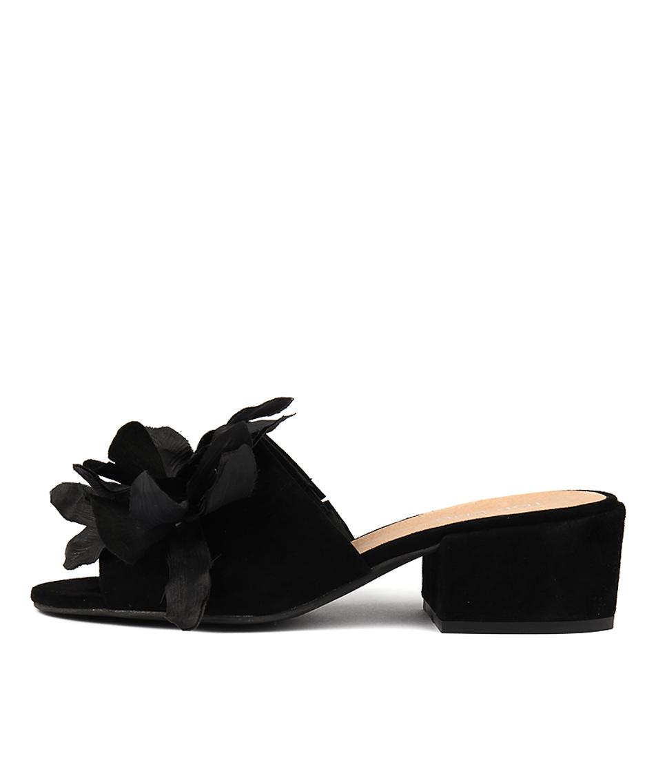 Top End Flying Black Heeled Sandals