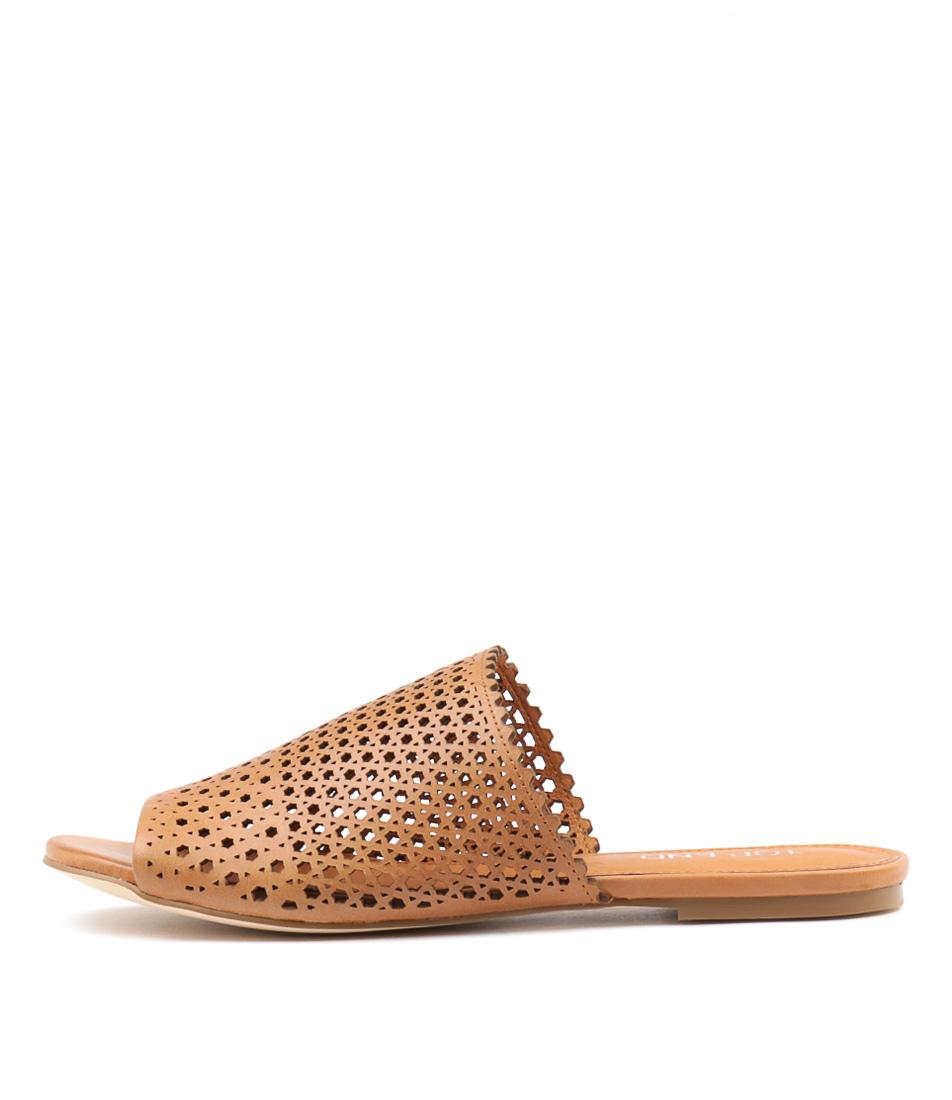 Top End Matak Tan Sandals