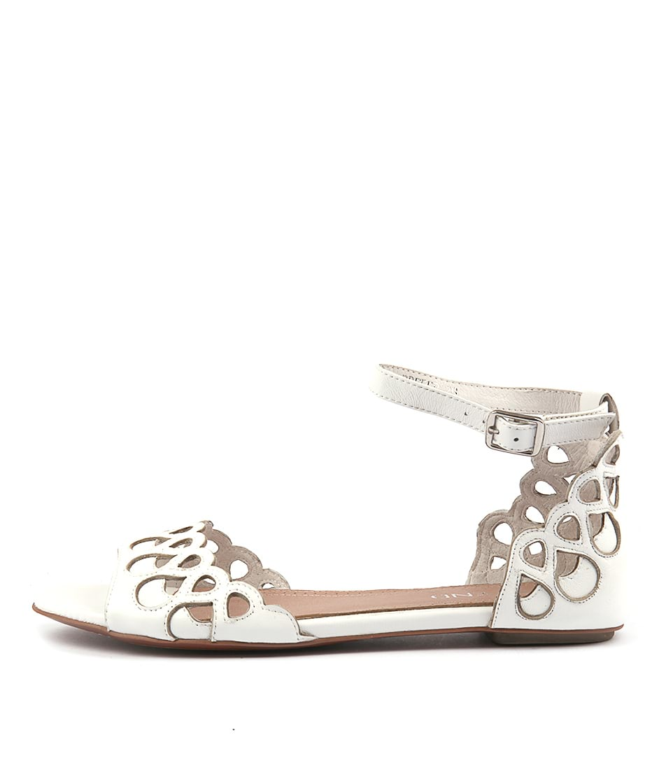 Top End Prefer White White Casual Flat Sandals