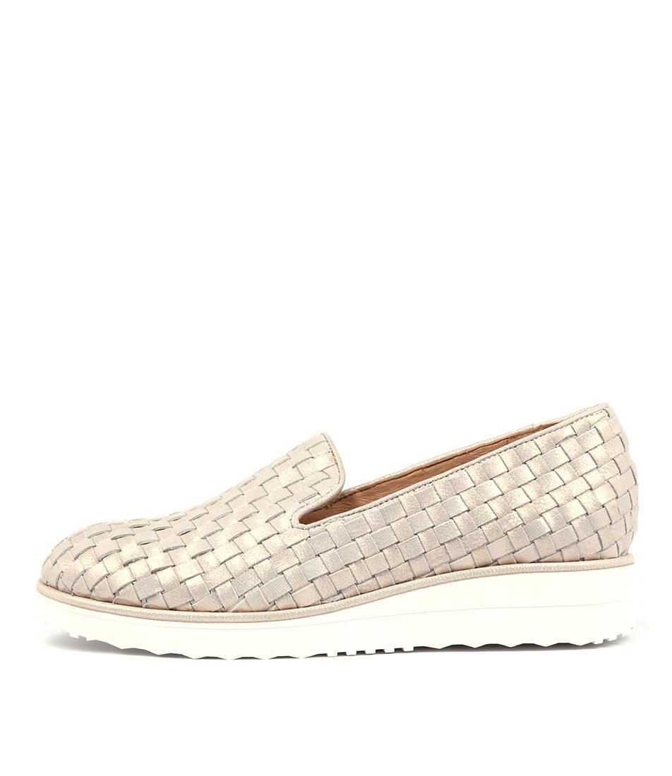 Top End Olusme Rose Metallic Flat Shoes