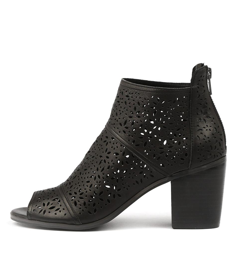 Top End Gauge Black Ankle Boots