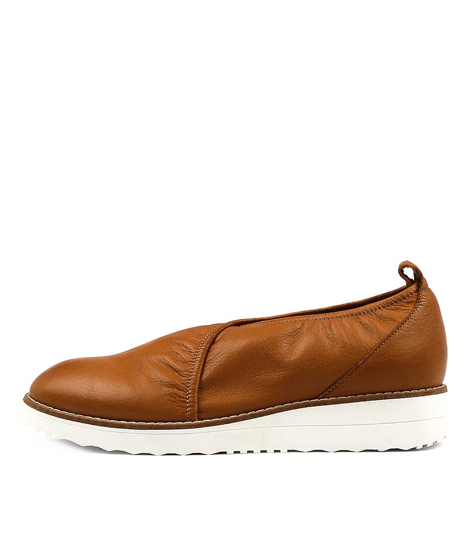 Top End Obabe Dk Tan Flat Shoes