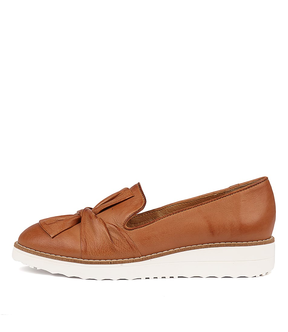 Buy Top End Oclem Dk Tan Flats online with free shipping