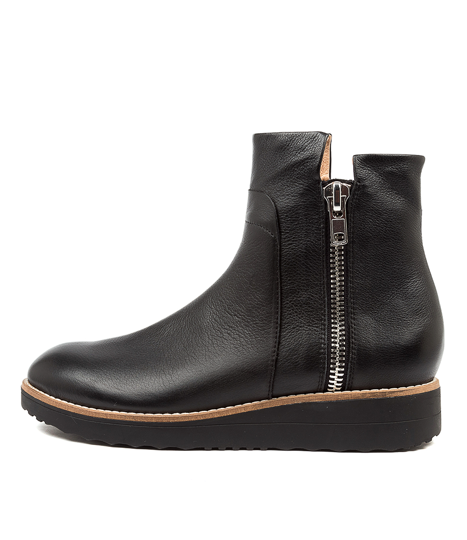 Buy Top End Osvaldo Black Sole Ankle Boots online with free shipping
