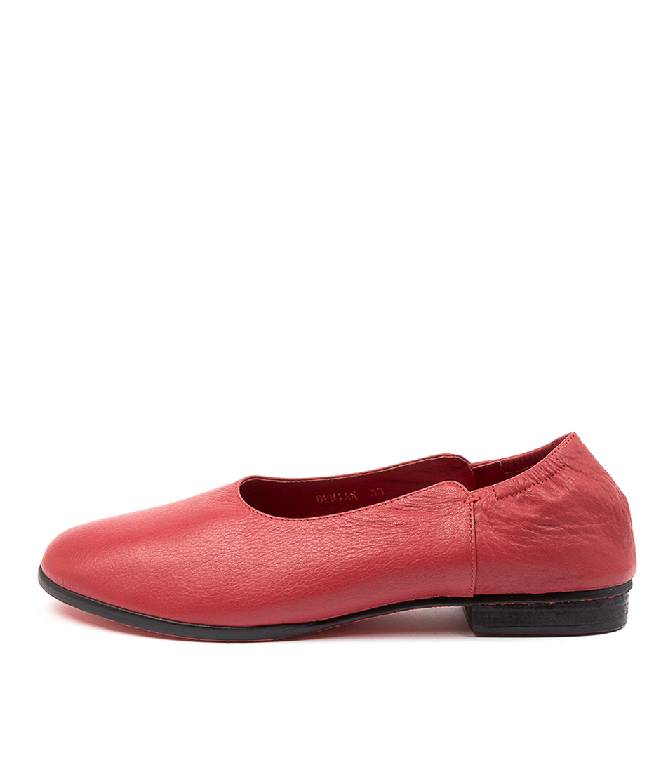Buy Top End Demian Red Flats online with free shipping
