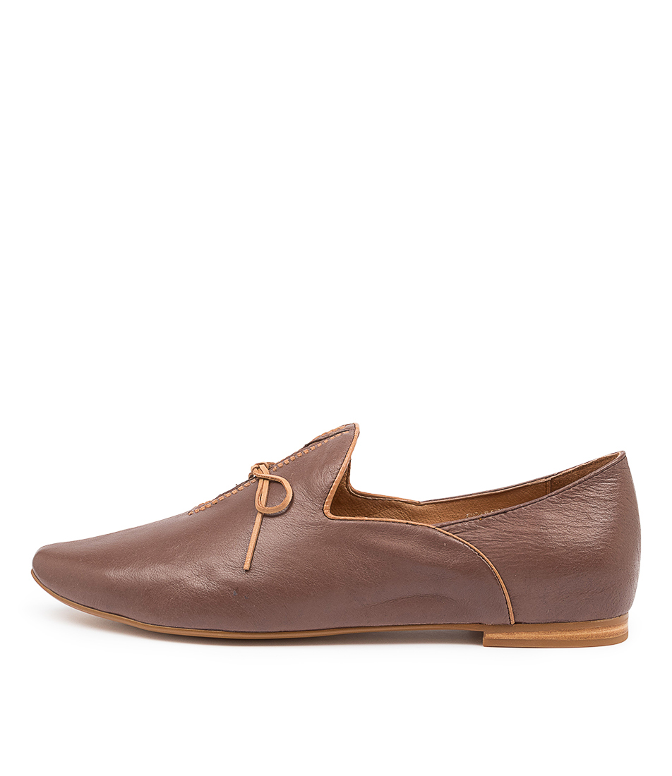 Buy Top End Sommer Mocca Tan Flats online with free shipping