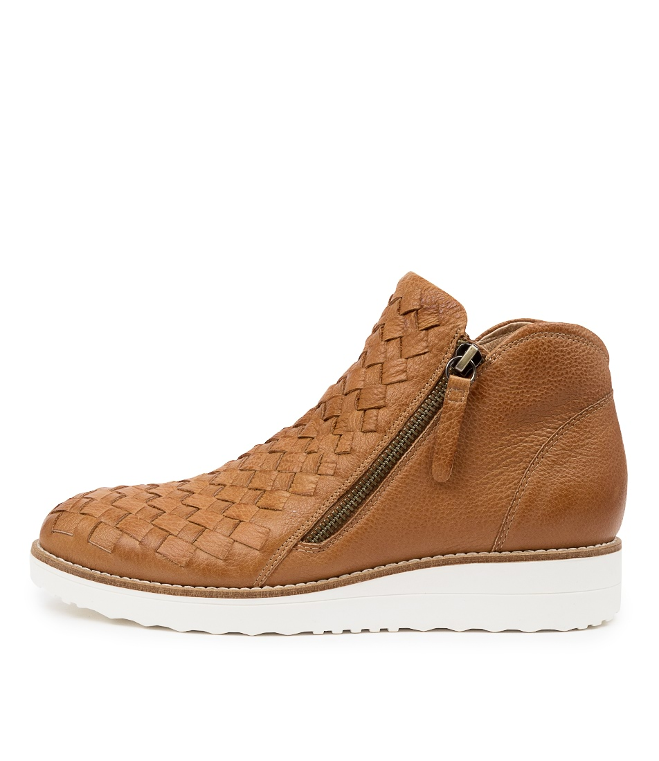 Buy Top End Ontop To Dk Tan White So Ankle Boots online with free shipping