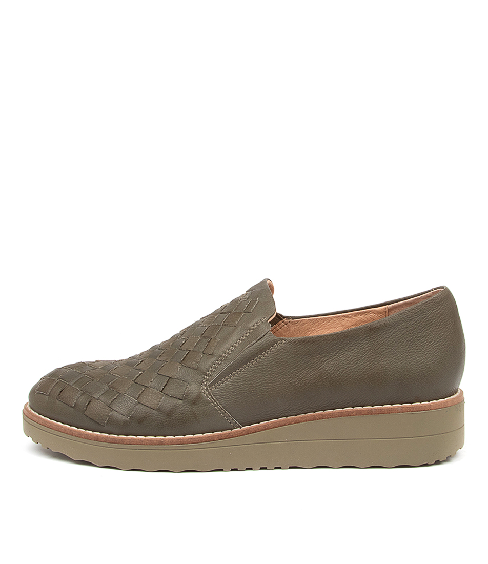 Buy Top End Oscat To Olive Olive Sole Flats online with free shipping