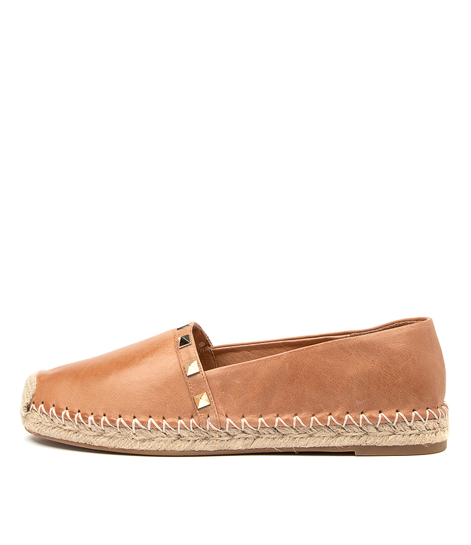 Buy Top End Toppi To Tan Flats online with free shipping