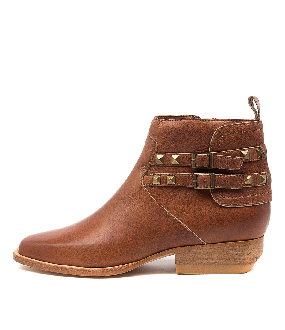 Buy Top End Gunlow To Cognac Ankle Boots online with free shipping