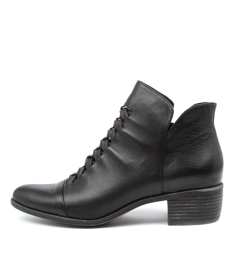 Buy Top End Jacobie To Black Ankle Boots online with free shipping