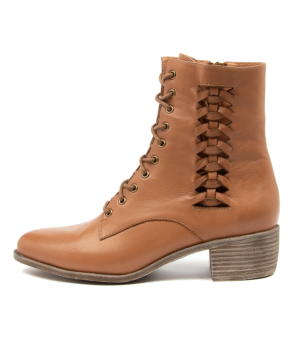 Buy Top End Jaxsen To Dk Tan Ankle Boots online with free shipping