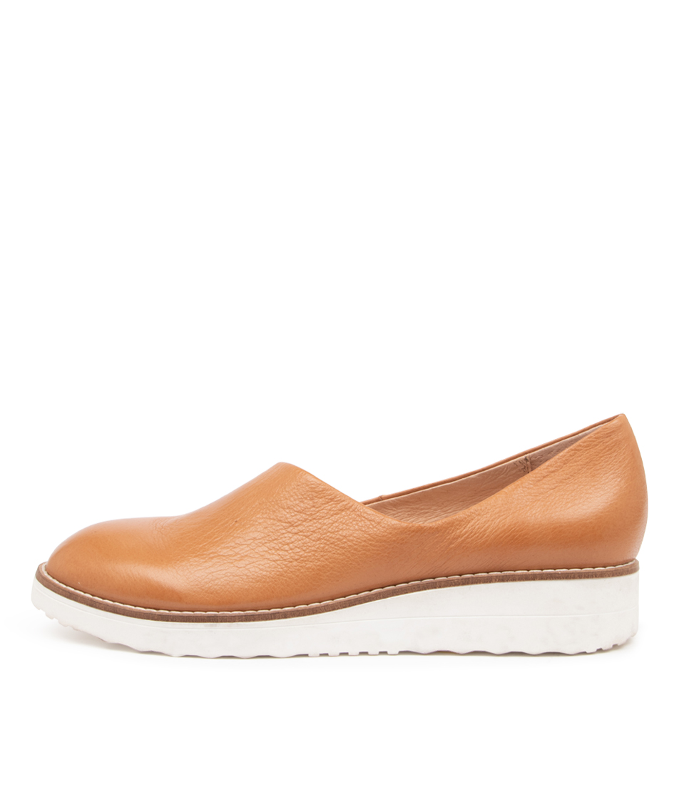 Buy Top End Ohdear To Dk Tan White So Flats online with free shipping