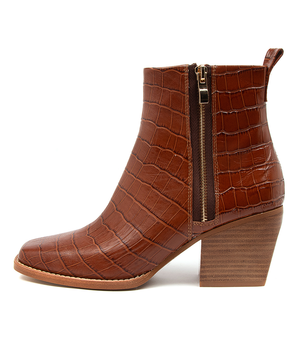 Buy Top End Rima To Cognac Ankle Boots online with free shipping