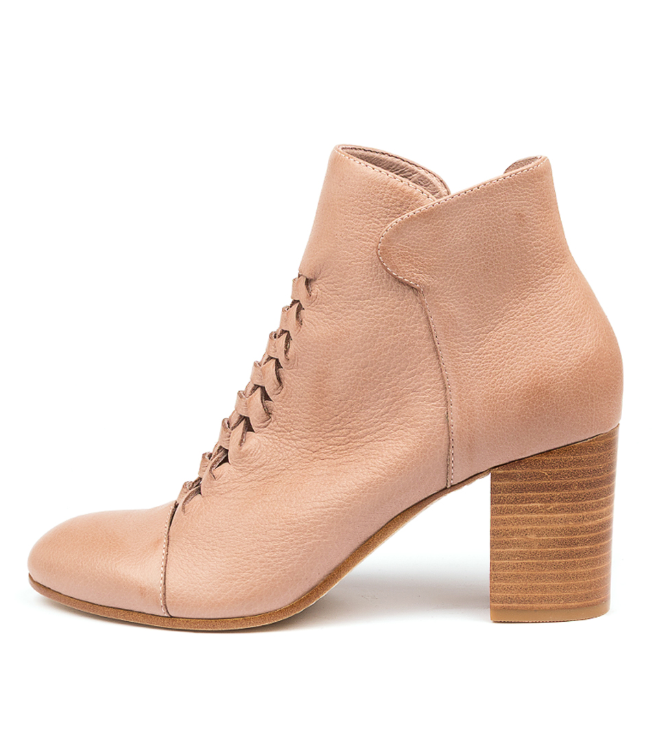Buy Top End Undong To Cafe Ankle Boots online with free shipping