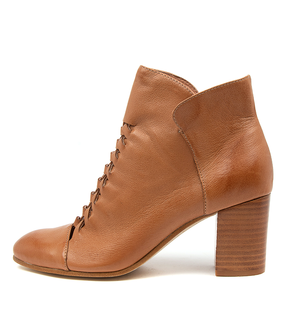 Buy Top End Undong To Dk Tan Ankle Boots online with free shipping
