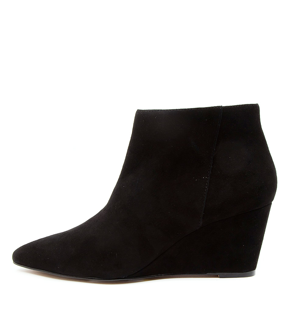 Buy Top End Wink To Black Ankle Boots online with free shipping