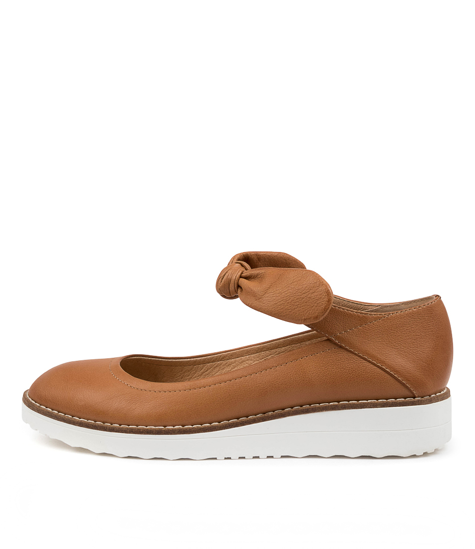 Buy Top End Oshae To Dk Tan Flats online with free shipping