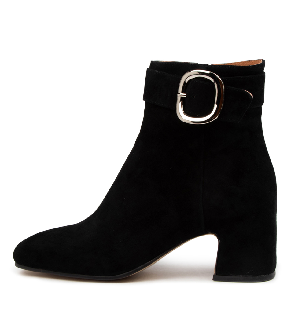 Buy Top End Favian To Black Ankle Boots online with free shipping