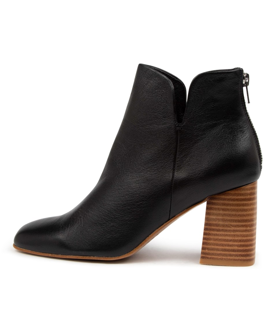 Buy Top End Reino To Black Natural Heel Ankle Boots online with free shipping
