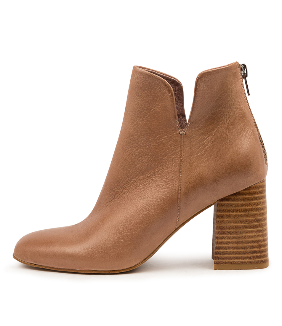 Buy Top End Reino To Warm Rose Ankle Boots online with free shipping