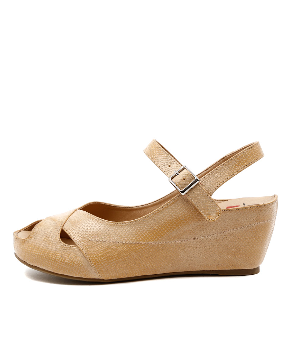 I Love Billy Togel Latte Casual Heeled Shoes