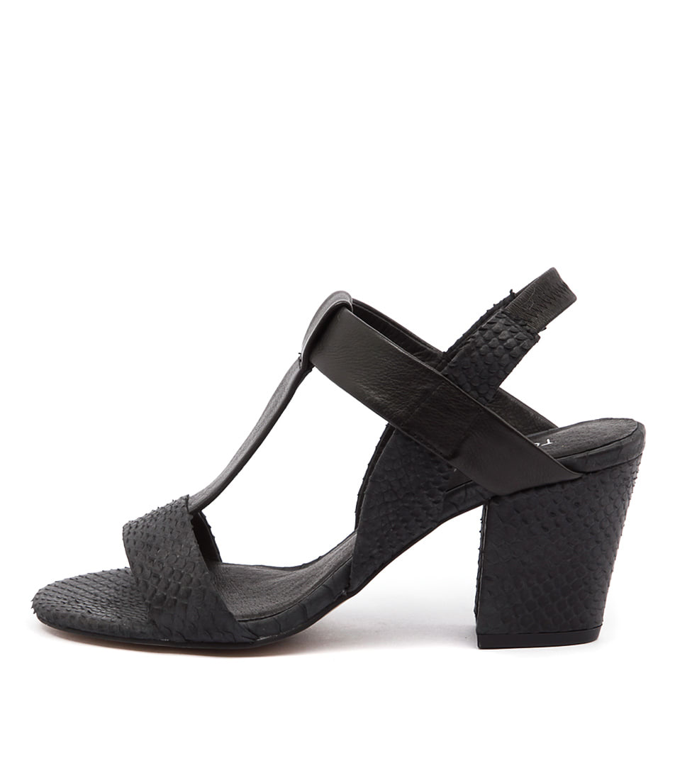 Top End Vassik Black Sandals