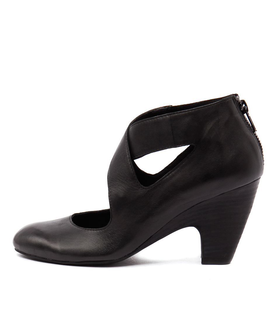 Top End Catty Black  Heels