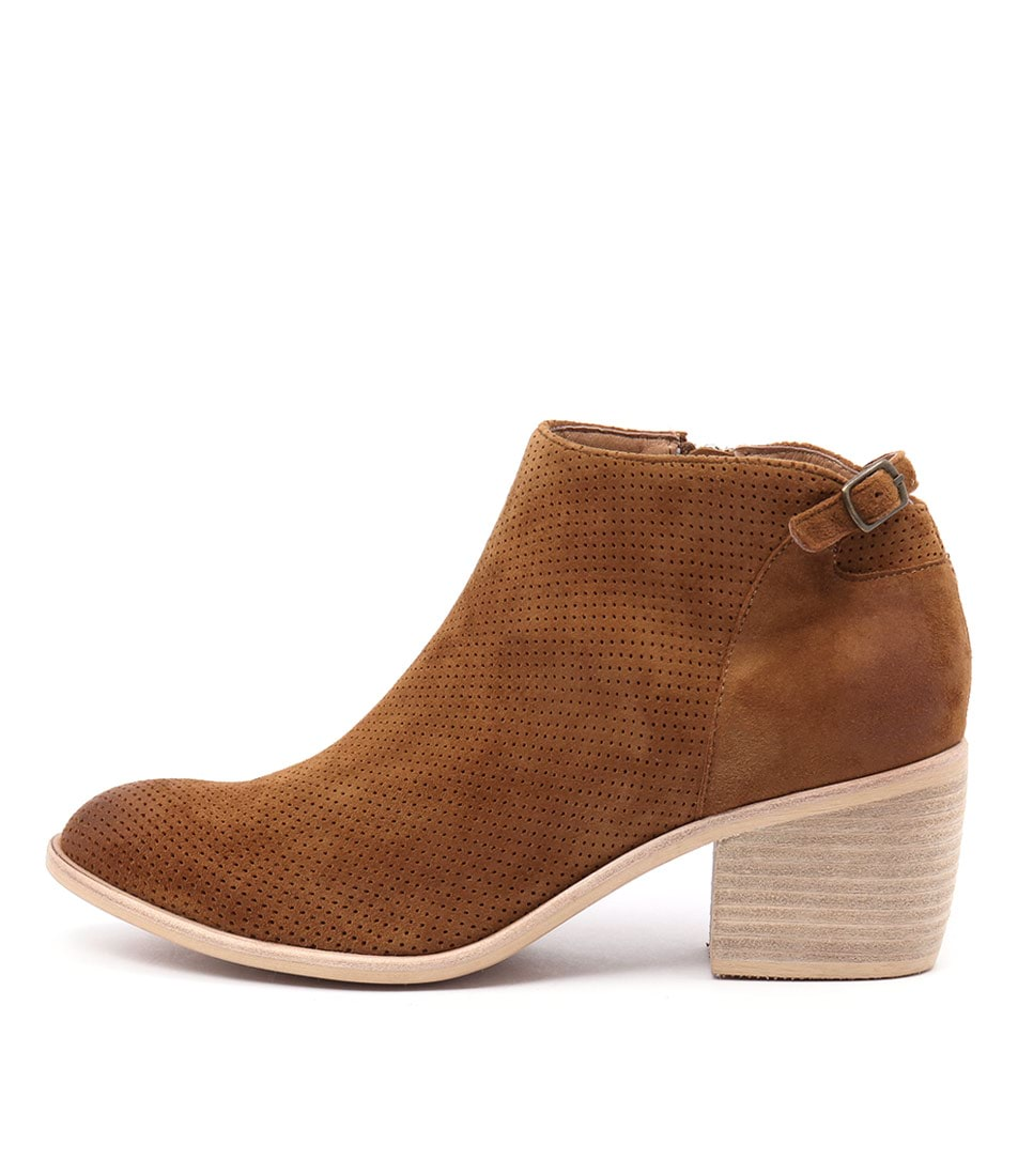 Top End Owen Tan Ankle Boots