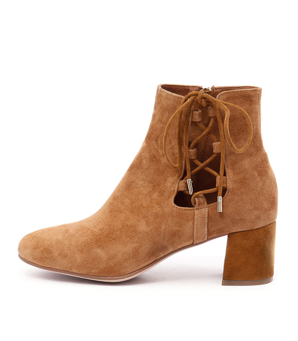 Top End Reach Tan Ankle Boots