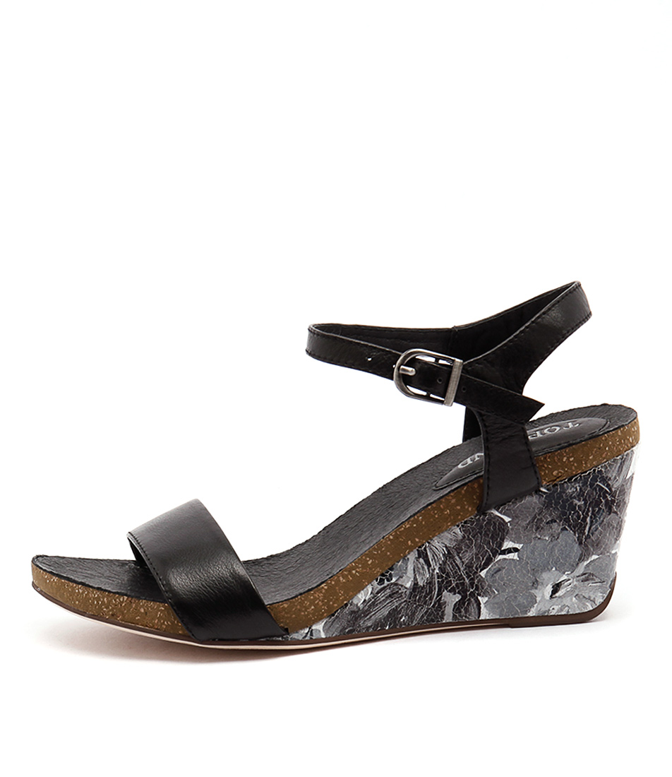 Top End Rollo To Black Sandals