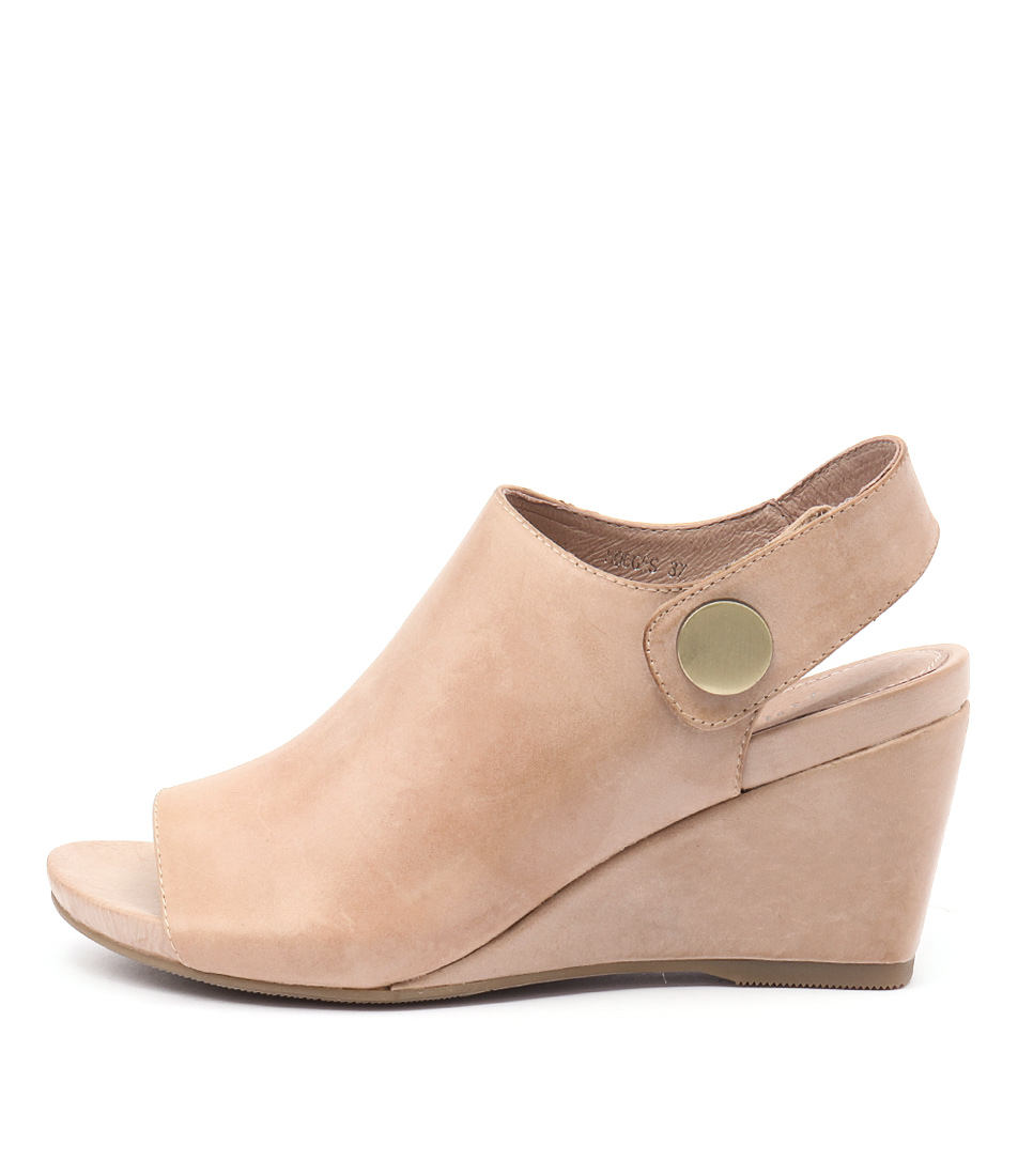 Top End Hodges Latte Sandals