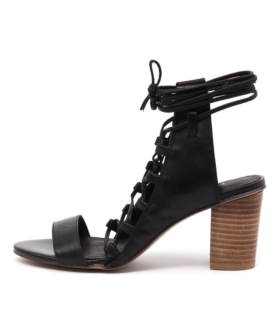 Top End Lormia Black Sandals