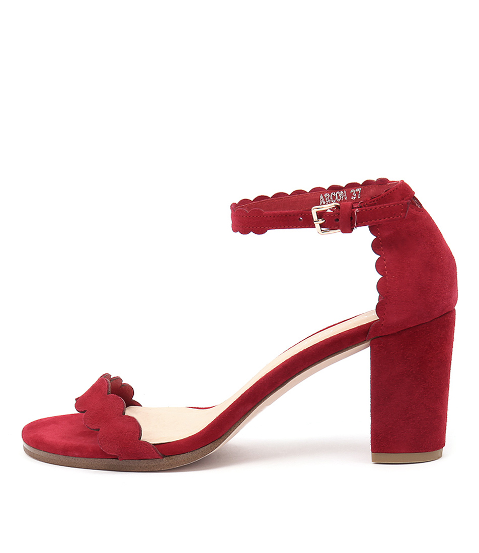 Top End Arcon Red Sandals