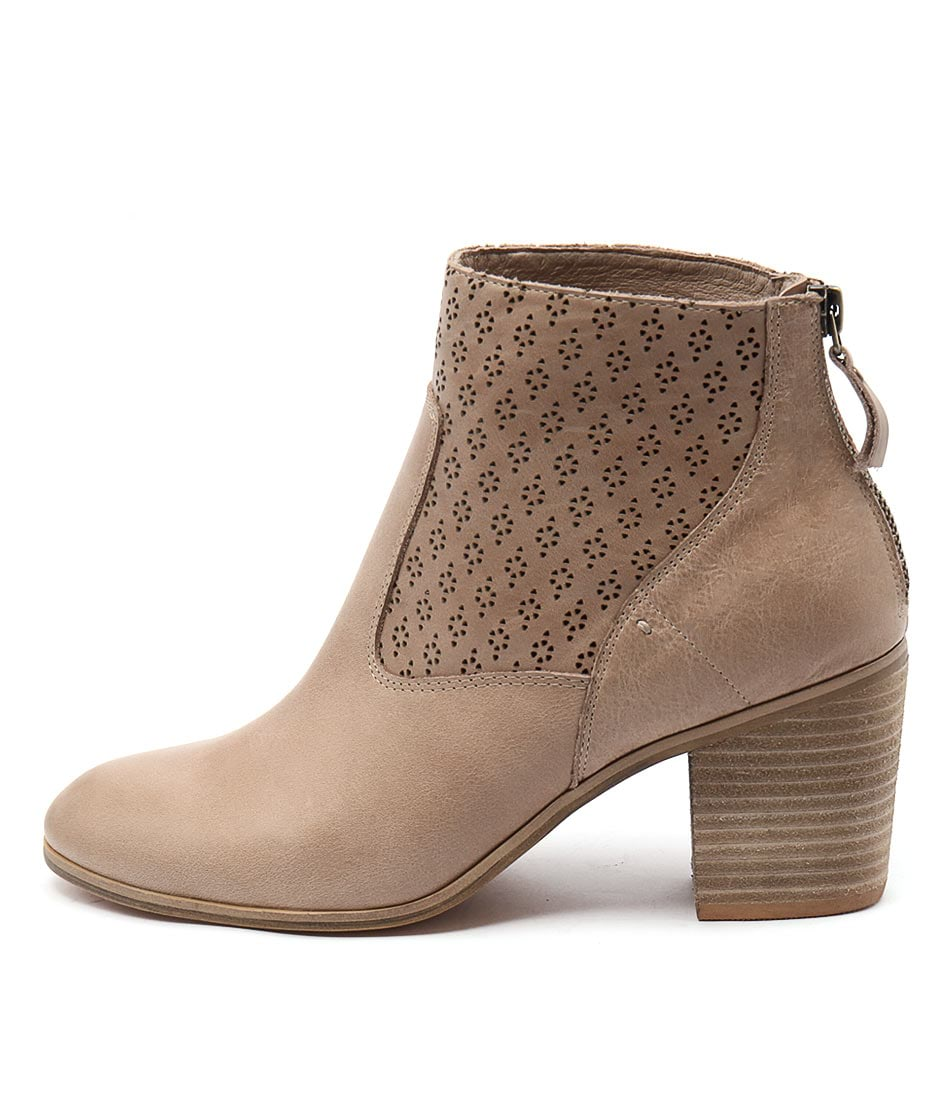 Top End Kalaria Latte Ankle Boots
