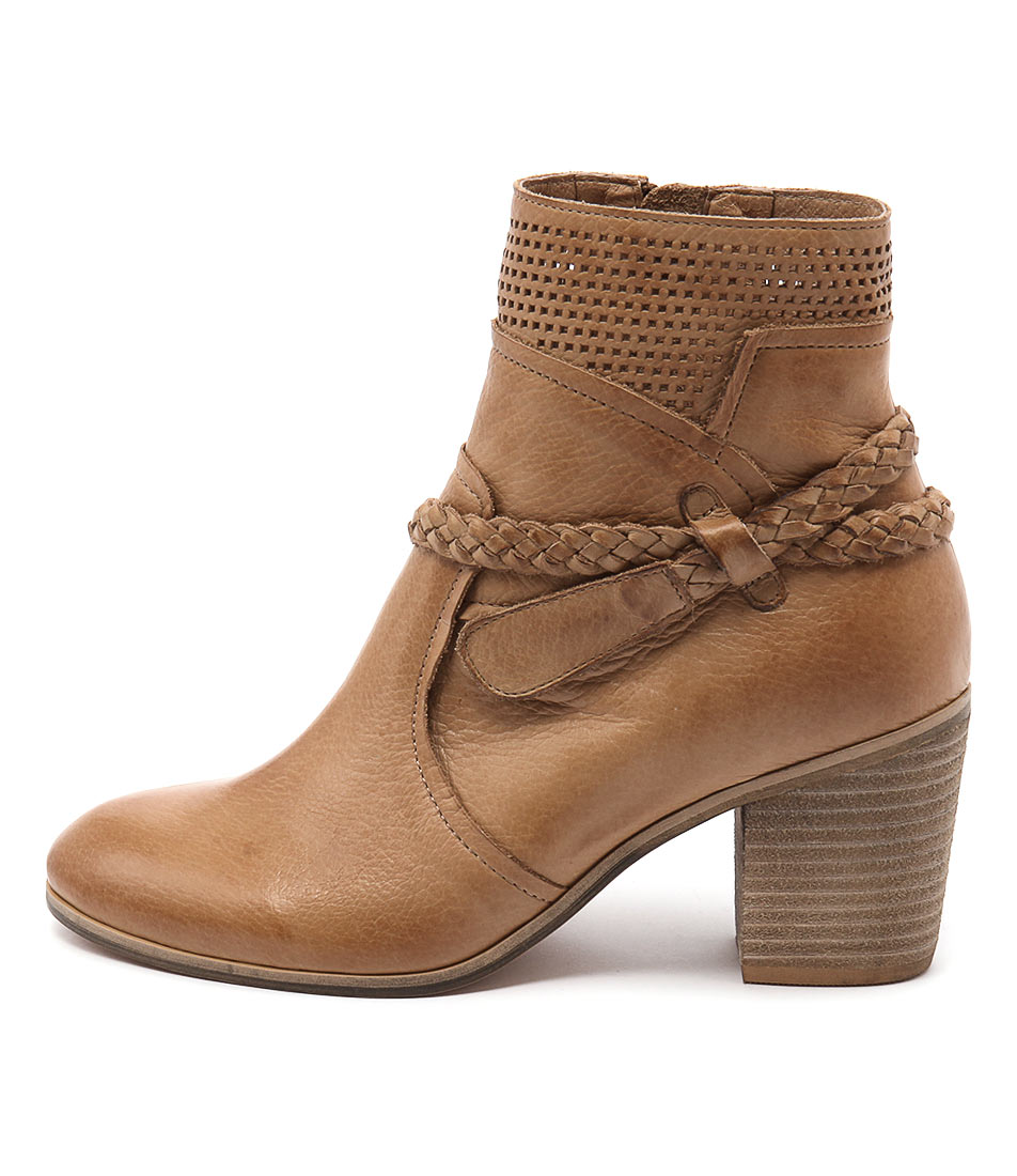 Top End Karnie Tan Casual Ankle Boots