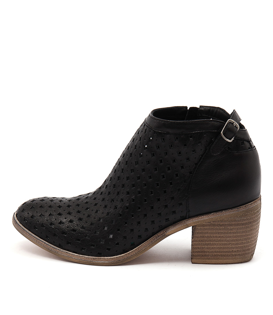 Top End Owen Black Ankle Boots