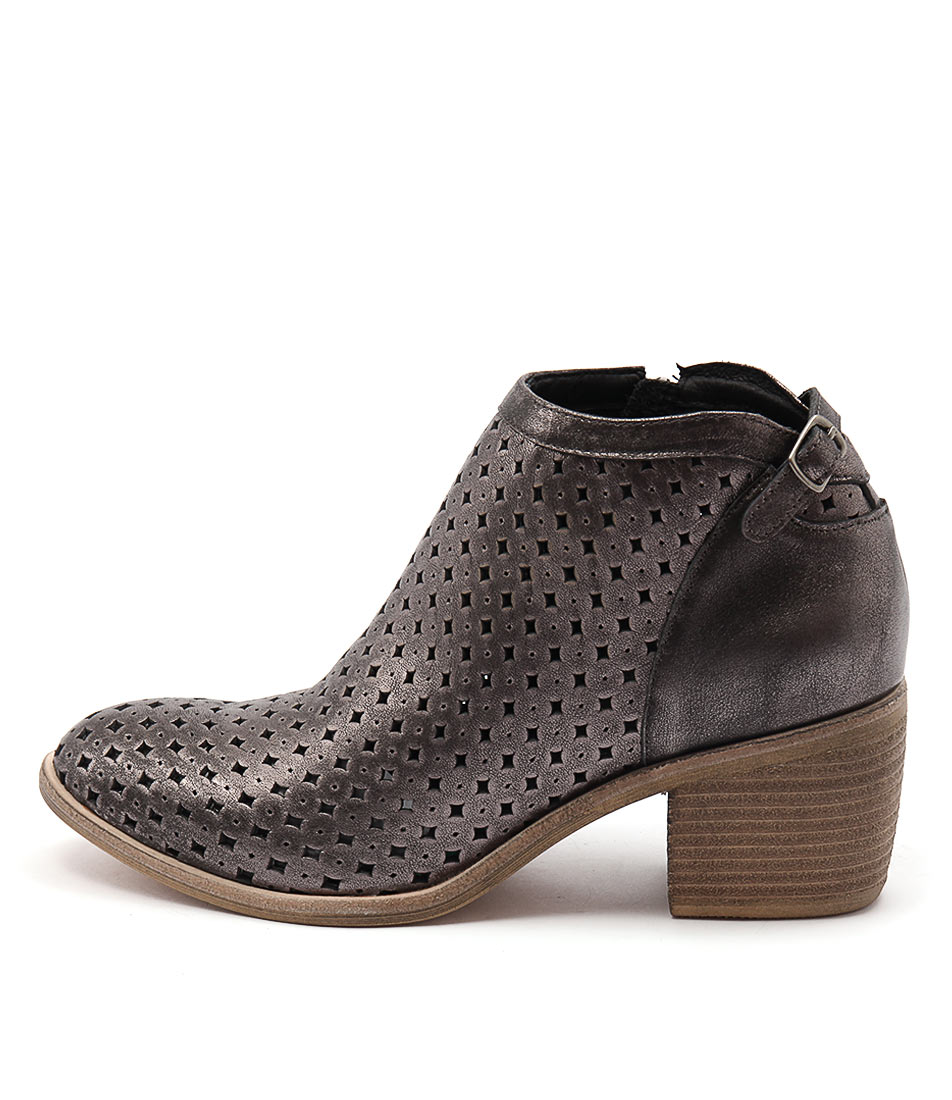 Top End Owen Pewter Ankle Boots
