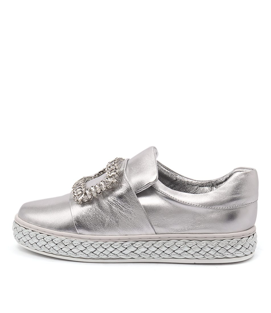 Top End Prissy Silver Flats