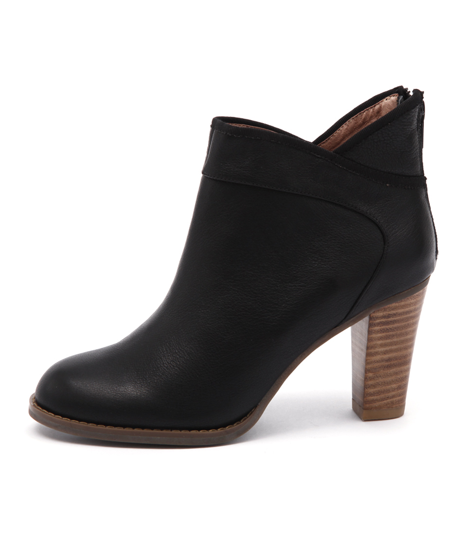 Valeria Grossi Maly Black Ankle Boots
