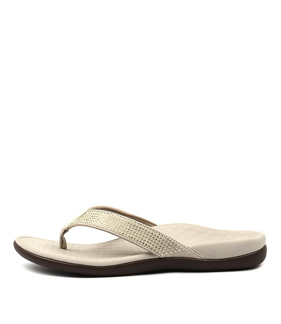 Islander Shoes Store