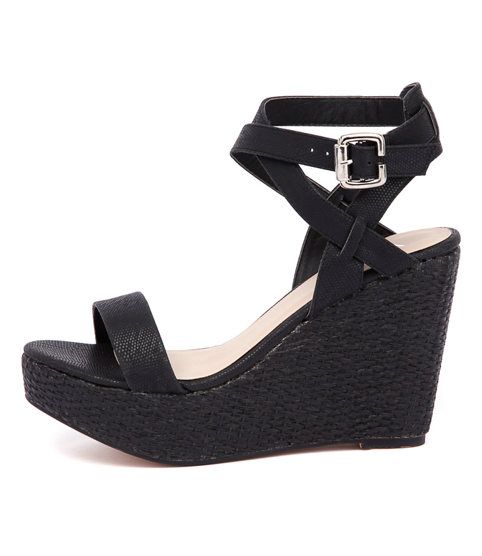 Verali Auburn Black Casual Heeled Sandals